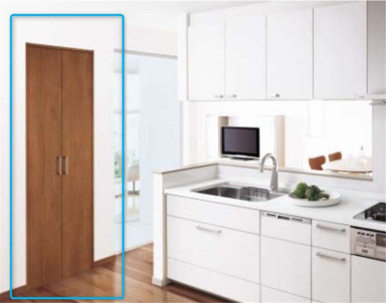 建築工事でキッチン収納を作る