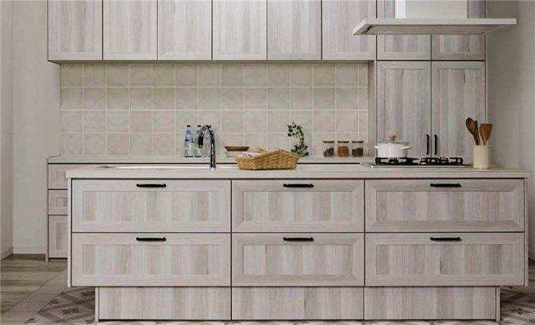 キッチンのタイル壁